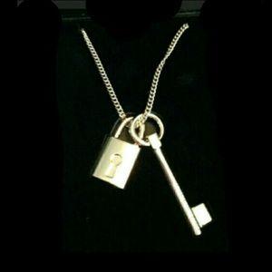 Victoria's secret necklace
